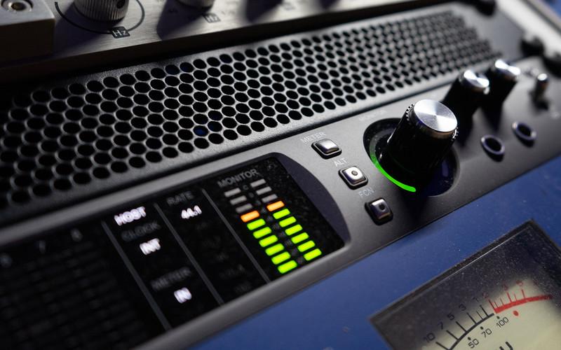 Universal Audio X8
